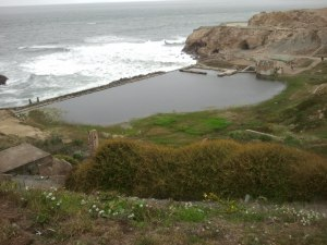 During a visit to the Sutro Baths, Photography in SF student Mariam De Guzman, took advantage of a great photo-op.