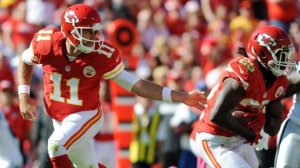 (Photo courtesy of rantsports.com) Alex Smith (11) and Jamaal Charles (25) have led the chiefs to an 8-0 season so far, becoming the only undefeated team in the NFL